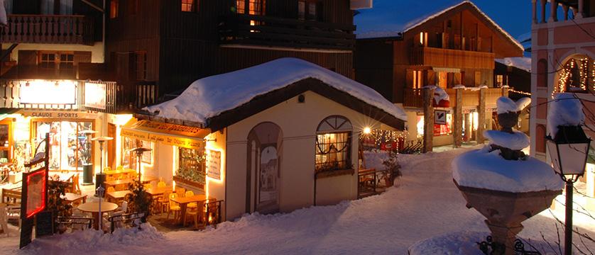 France_valmorel_village-centre.jpg